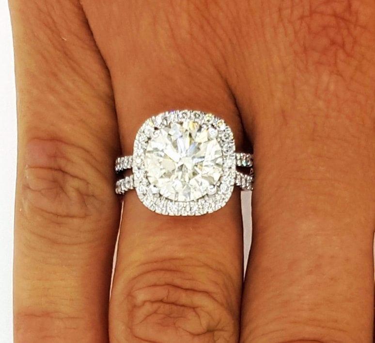 5.25 Ct Round Cut F Vs1 Diamond Halo Engagement Ring 14K White Gold