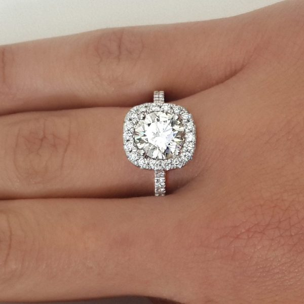 2.00 Ct Round Cut D/Vvs1 Diamond Solitaire Engagement Ring 18K White Gold