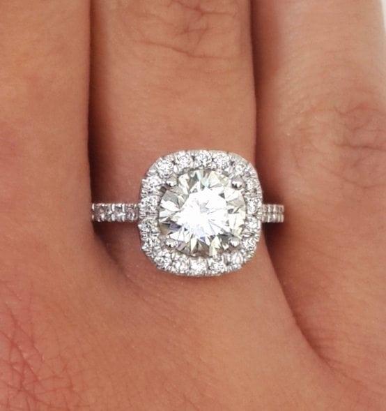 2.00 Ct Round Cut DVvs1 Diamond Solitaire Engagement Ring 18K White Gold 4