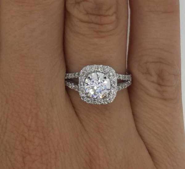 2.05 Ct Round Cut Vs Diamond Solitaire Engagement Ring 18K White Gold