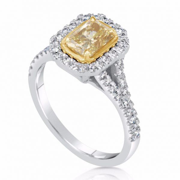2.5 Carat Radiant Cut Diamond Engagement Ring 18K White Gold 3