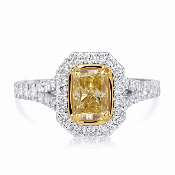 2.5 Carat Radiant Cut Diamond Engagement Ring 18K White Gold 4