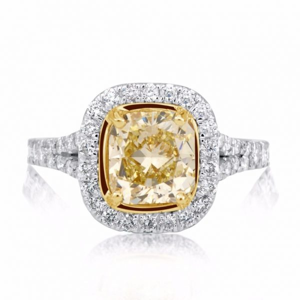 3.75 Ct Cushion Cut Vs1 Diamond Solitaire Engagement Ring 18K Gold 3